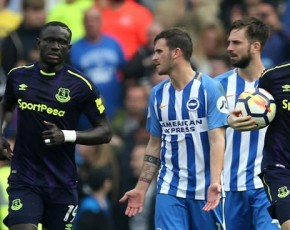 Wayne Rooney penalty rescues Everton point at Brighton