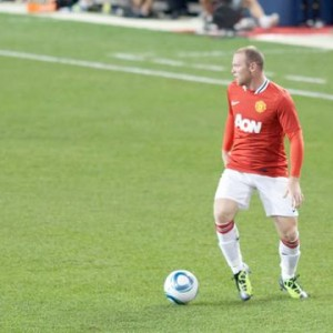 premier league live -rooney in united-liverpool clash